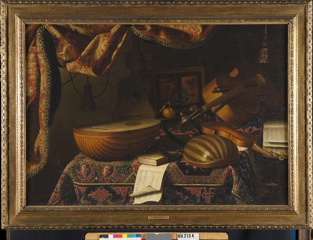 Stilleven met violen, luiten, gitaar, harp en globe