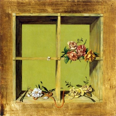 The shelf with roses