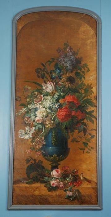 Penantstuk, vaas met bloemstuk in nis