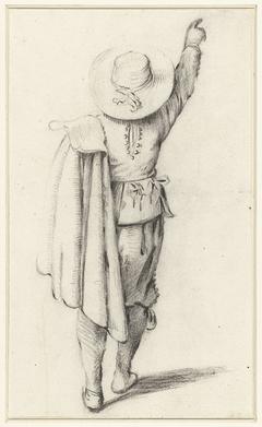 Staand jongetje met een mantel, van achteren gezien