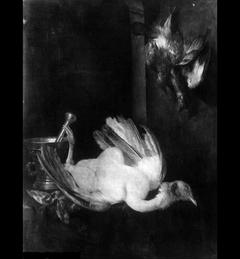 Stilleven met dode vogels en mortier