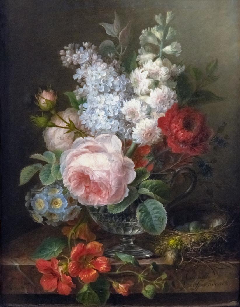 Vase de fleurs avec nid