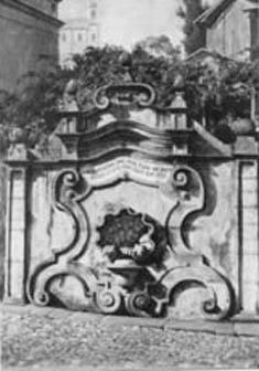 Chafariz colonial na Praça dos Contos